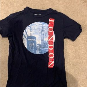 London graphic Aeropostale T-shirt